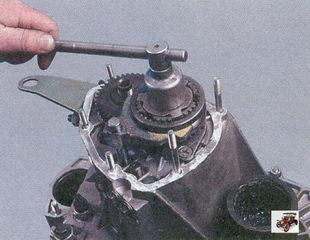 гайка крепления вторичного вала коробки передач Лада Приора ВАЗ 2170