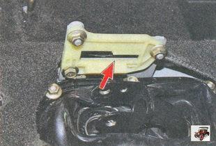накладка кронштейна блокировки заднего хода