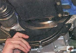 передняя крышка картера сцепления