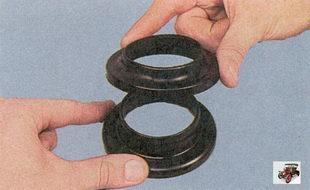 верхняя чашка; изоляционная прокладка пружины