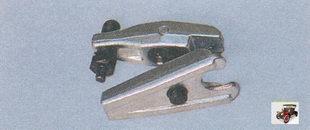 универсальный съемник для выпрессовывания пальца шарового шарнира из рычага Лада Приора ВАЗ 2170