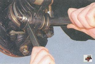гайка крепления растяжки к рычагу передней подвески Лада Приора ВАЗ 2170