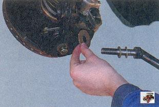 растяжка передней подвески; регулировочные шайбы