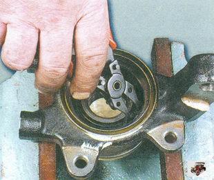 внутреннее стопорное кольцо