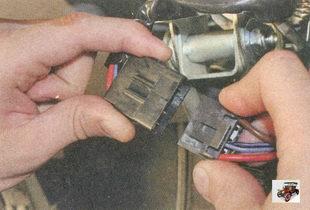 разъем жгута силовых проводов замка зажигания
