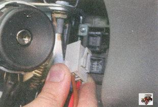 второй разъем проводов блока управления электромеханическим усилителем рулевого управления