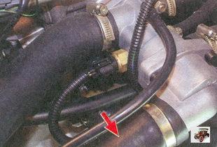 патрубок радиатора системы охлаждения