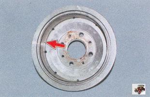 проверка тормозного барабана на наличие задиров или глубоких рисок