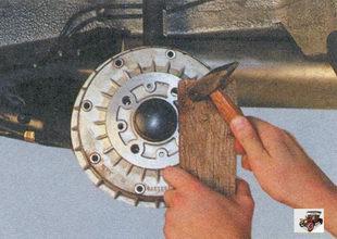снятие тормозного барабана