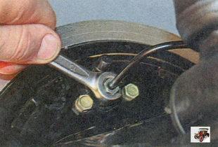 гайка крепления тормозной трубки к колесному тормозному цилиндру
