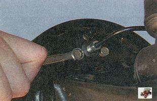 болты крепления колесного тормозного цилиндра