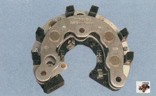 выпрямительный блок генератора со стороны статора