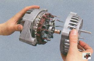 крышка генератора со стороны контактных колец