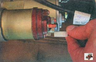 провод от клеммы тягового реле стартера