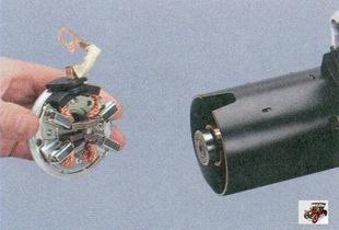крышка стартера со щеткодержателем и щетками