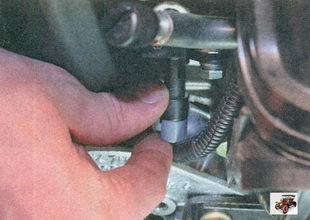 фиксатор разъема жгута проводов датчика фаз