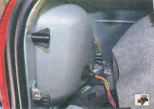 обивка боковины со стороны демонтируемого фонаря