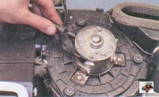 шланг вентиляции щеточного узла электродвигателя вентилятора отопителя салона