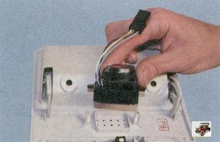 снятие датчика температуры воздуха в салоне