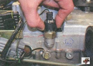 разъем вывода датчика давления масла
