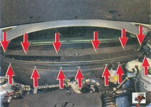 семь винтов крепления шумоизоляционной обшивки; шесть винтов крепления накладок