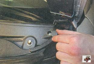 заглушка винта крепления накладки к кузову