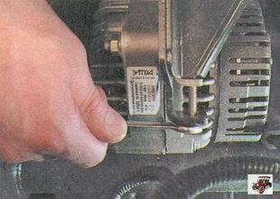 регулировочный болт натяжения ремня генератора лада приора ваз 2170