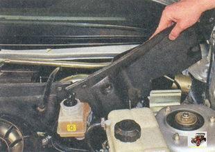 левая часть шумоизоляции моторного отсека