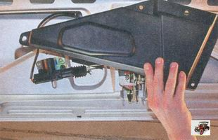 облицовка замка крышки багажника