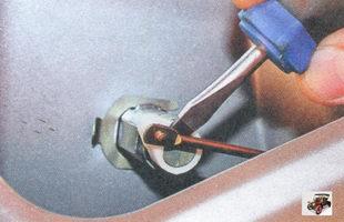 тяга привода замка крышки багажника