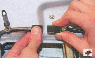 разъем жгута проводов моторедуктора блокировки замка двери