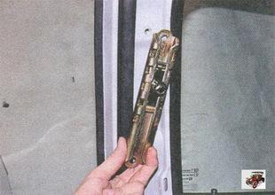 механизм регулировки по высоте верхней точки крепления ремня безопасности