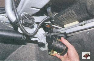 задний боковой ремень безопасности