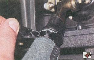 крепления чехла к рычагу переключения передач