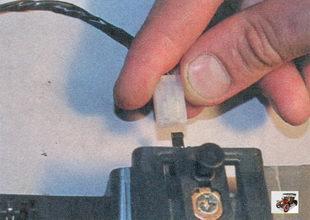 разъем выключателя подсветки вещевого ящика (бардачка)