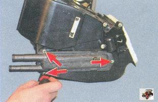 винты крепления радиатора печки