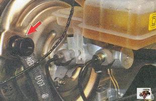 проверка герметичности соединений шланга вакуумного усилителя с обратным клапаном лада приора ваз 2170