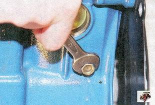 пробка сливного отверстия на блоке цилиндров лада приора ваз 2170