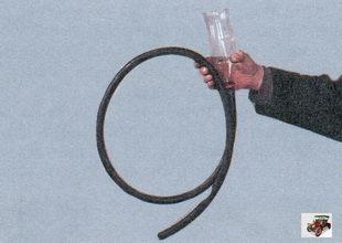 воронка с резиновым шлангом для заливки масла в коробку передач лада приора ваз 2170
