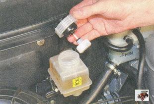 крышка бачка главного тормозного цилиндра лада приора ваз 2170