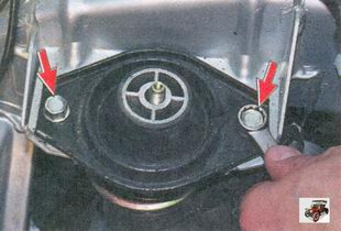 болты крепления подушки задней опоры двигателя к кузову