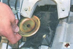 нижний ограничитель подушки задней опоры двигателя