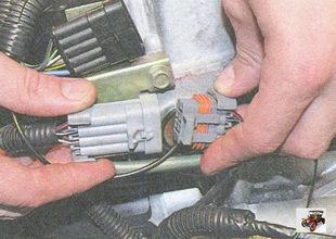 разъем жгута проводов форсунок Лада Приора ВАЗ 2170
