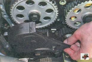 нижняя передняя крышка ГРМ  Лада Приора ВАЗ 2170