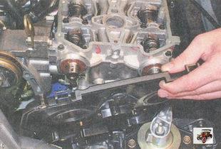 задняя защитная крышка ремня привода ГРМ Лада Приора ВАЗ 2170