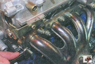 гайки крепления катколлектора к головке блока цилиндров Лада Приора ВАЗ 2170
