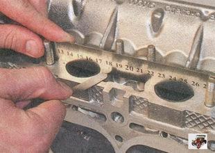 проверка плоскостности привалочных поверхностей головки блока цилиндров под катколлектор