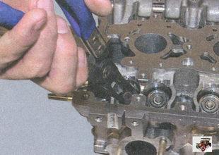 маслосъемный колпачок направляющей втулки клапана