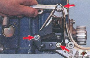 болты крепления кронштейна передней опоры силового агрегата к блоку цилиндров