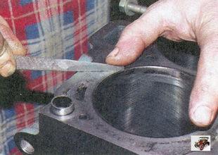 очистка поверхности блока цилиндров двигателя Лада Приора ВАЗ 2170